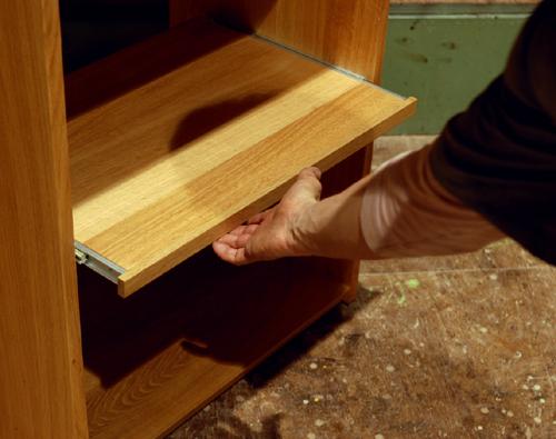 無垢オーダー家具/キッチン収納/スライド棚アップ画像