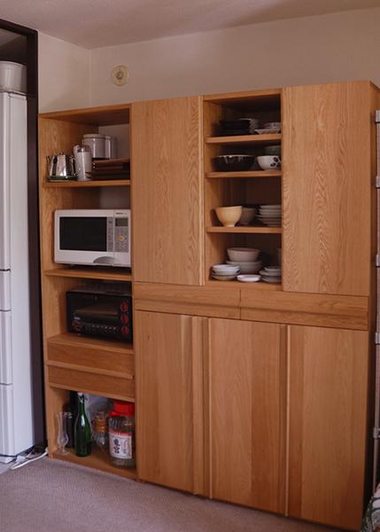無垢オーダー家具/ナラ材レンジ、オーブン台と食器棚