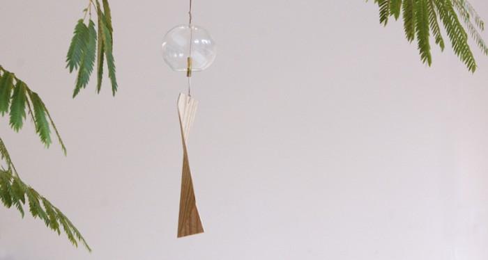 木製の短冊が特徴の風鈴「涼木」