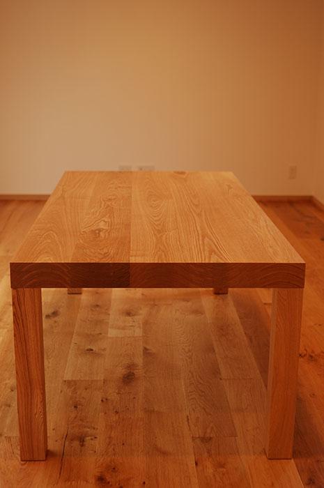 アッツテーブル