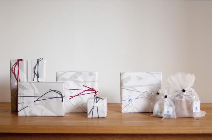WOODWORK GIFT WRAPPING