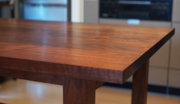 無垢オーダーテーブル、スタンダードテーブルご納品の様子