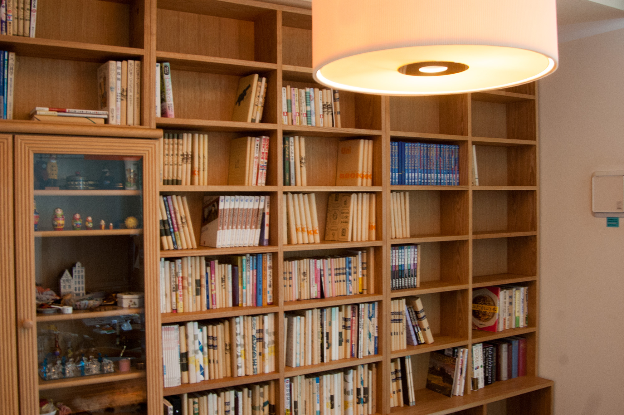 固定棚で最大限収納力のある本棚に