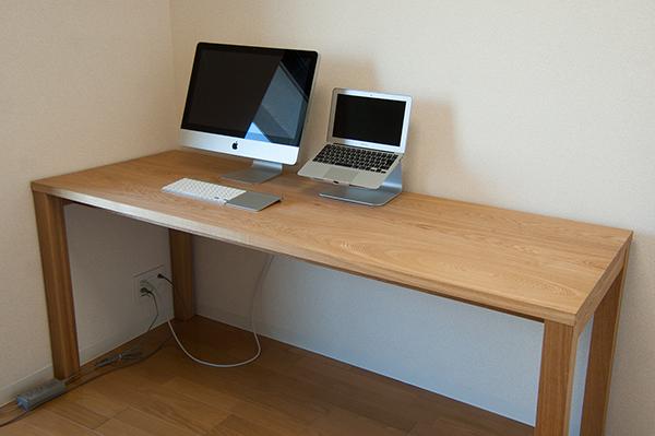 タモ材スタンダードテーブルを、デスクとしてご注文いただき、ご納品した様子です