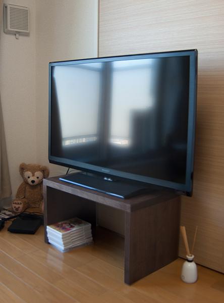 アメリカンブラックウォールナット材でオーダーしていただいたコノ字TVボード、ご納品の様子です