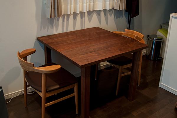 無垢オーダーテーブルのスタンダードテーブル、ご納品の様子です