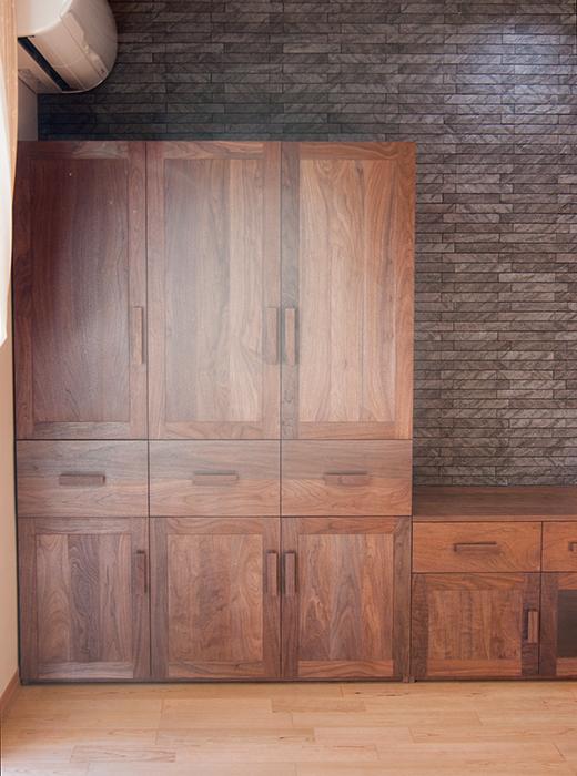 無垢オーダー家具/アメリカンブラックウォールナット材収納家具画像