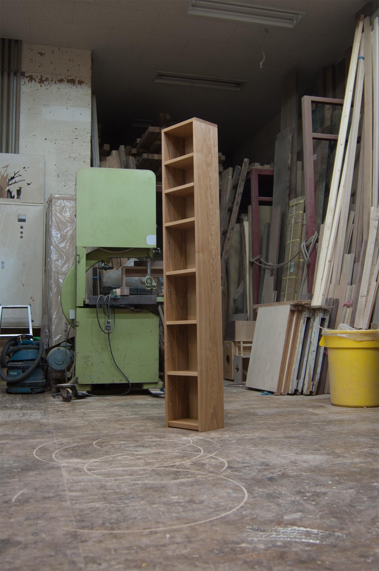 小物を飾るTANA収納棚
