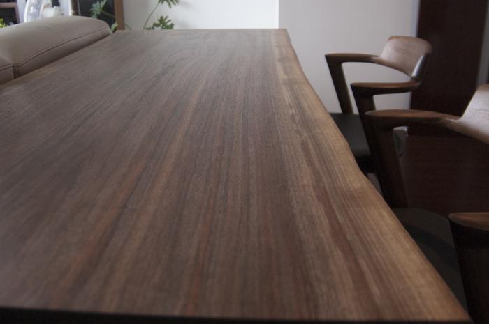 オーダー家具|ブラックウォールナットの一枚板ダイニングテーブル