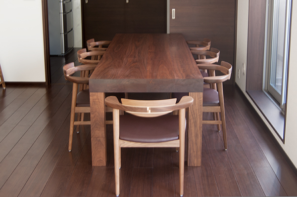 オーダー家具アッツテーブルと亜和座チェア