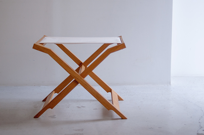 ウッドワークの家具 ぱたむスツール