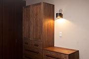 無垢オーダー家具、背の高いTANAクローゼットとTANAチェスト、サムネイル画像