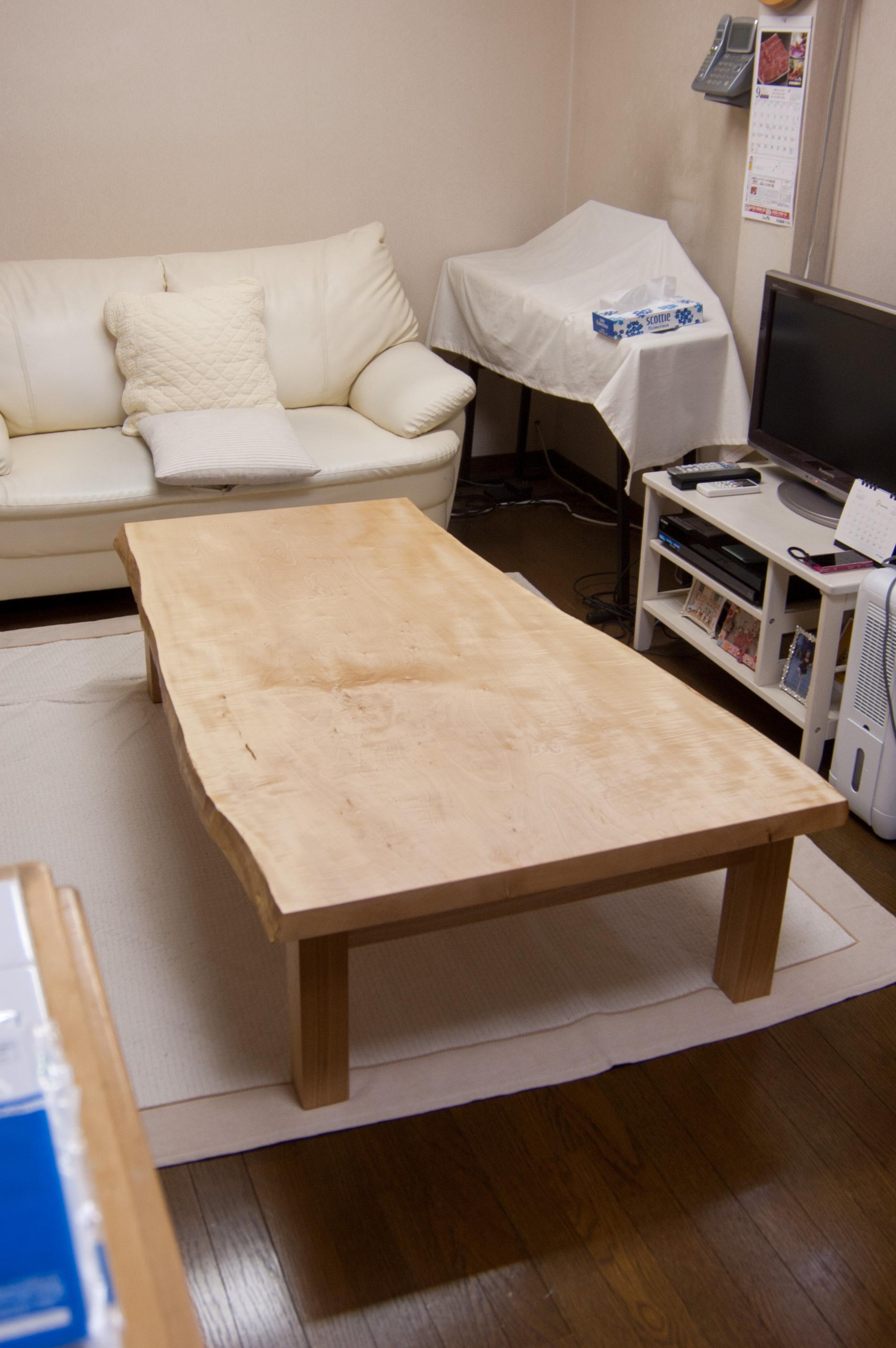 トチ一枚板天板ローテーブル