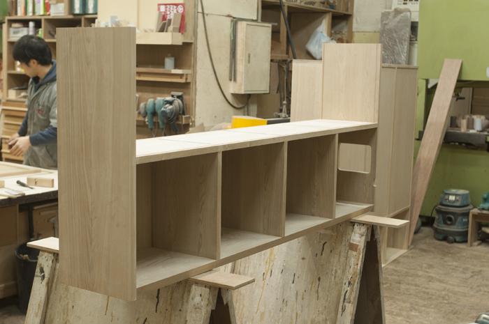 WOODWORKの木工房にて、オーダー家具TANA本棚製作の様子