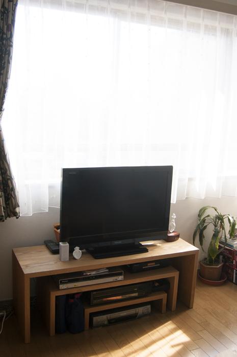 無垢オーダー家具、コの字テレビボード3サイズ組合わせの様子です