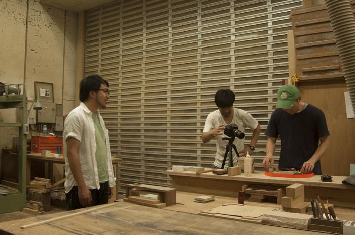 オリジナル楽器「か本」の製作シーン撮影
