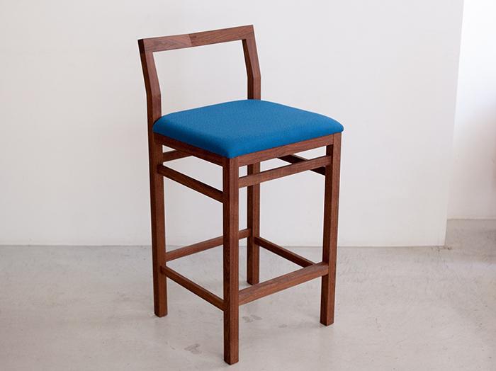ウッドワークの家具|ピコチェアーのハイタイプ