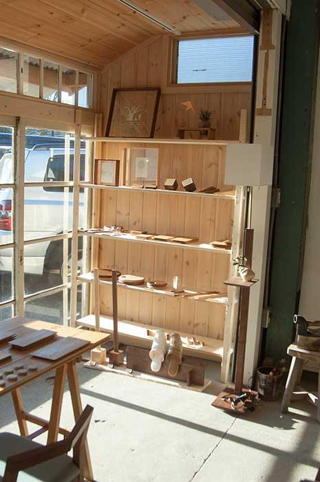 WOODWORKヒトツボ展でならぶ木の小物