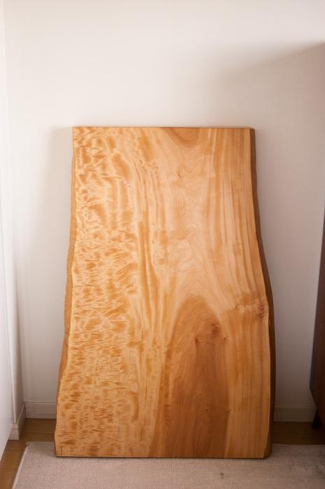 ご納品したトチ一枚板天板です