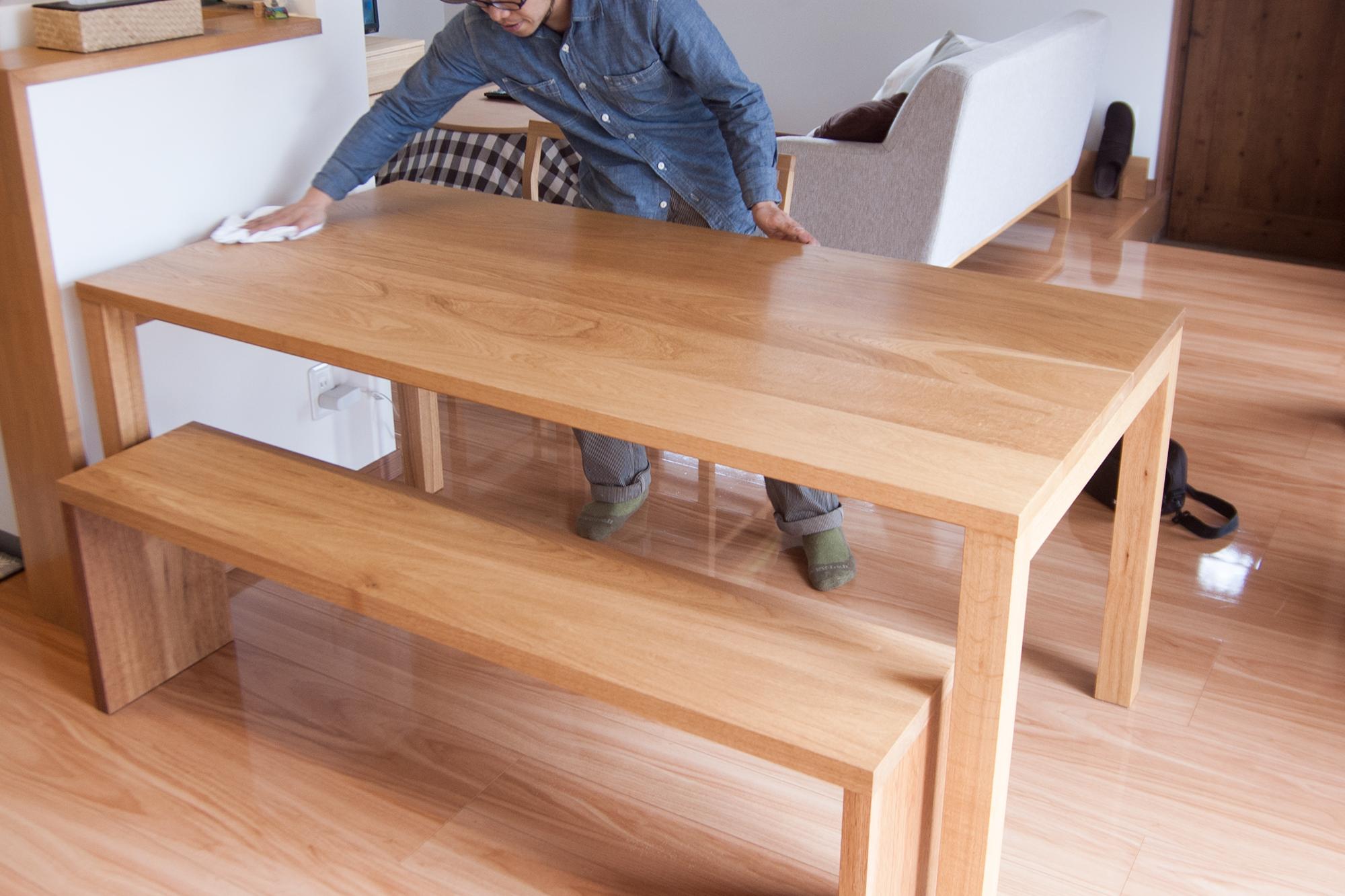 アッツベンチのご納品に合わせて、スタンダードテーブル・タイプ2のメンテナンスをさせていただきました