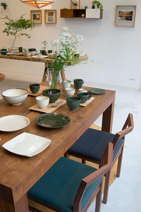 陶芸家飯高幸作さんとのコラボレーションの器を発表する「森から生まれた器」がはじまりました