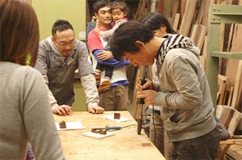 2011年12月開催のクリスマスツリーワークショップブログ記事へ