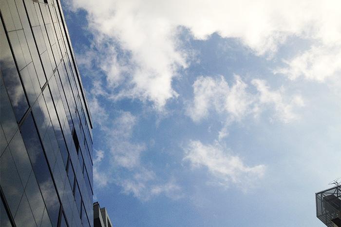 秋のモノマチ前日の空