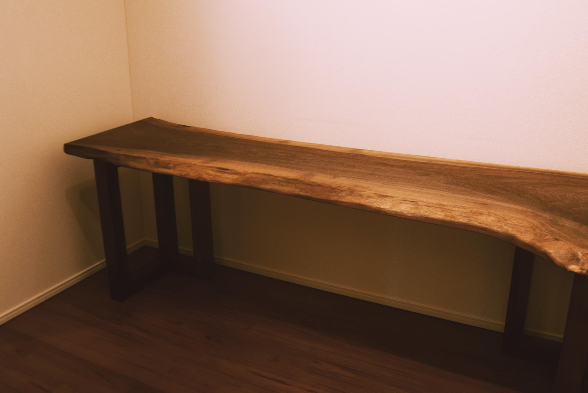 一枚板のウォールナット無垢天板デスク、ご納品の様子