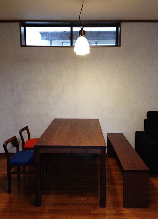 スタンダードテーブルとピコチェア、アッツベンチを合わせたダイニングテーブルセット、ご納品の様子です