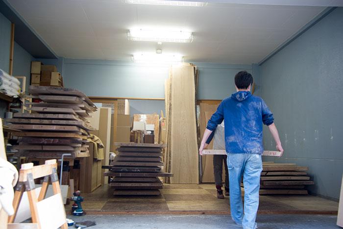 無垢天板を展示販売