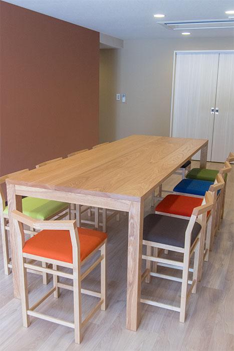 スタンダードテーブル・タイプ2とハイタイプ・ピコチェア