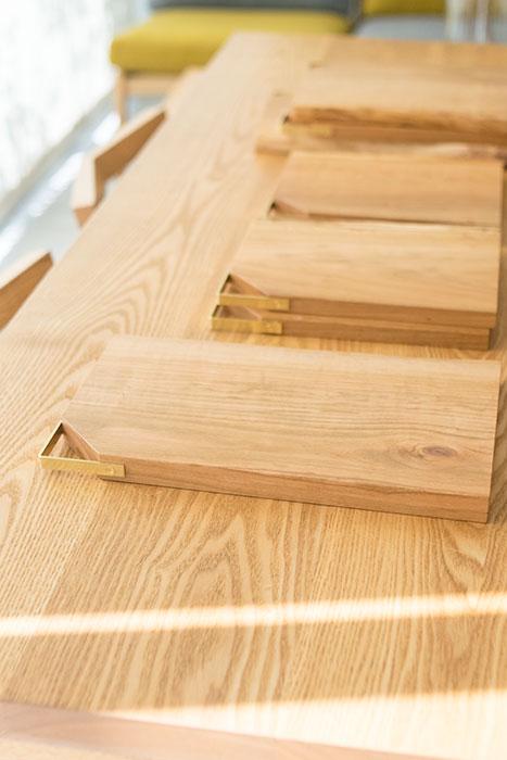 無垢の木のカッティングボードキッタキ