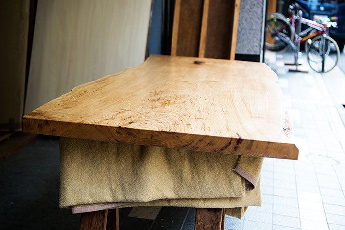 クリ一枚板天板 乾燥中
