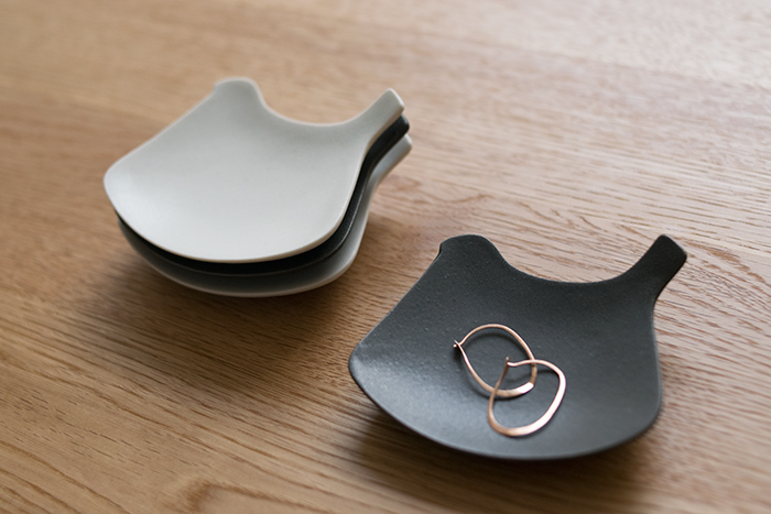 yumiko iihoshi porcelain / tori plate