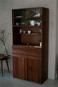 店頭展示のTANA食器棚