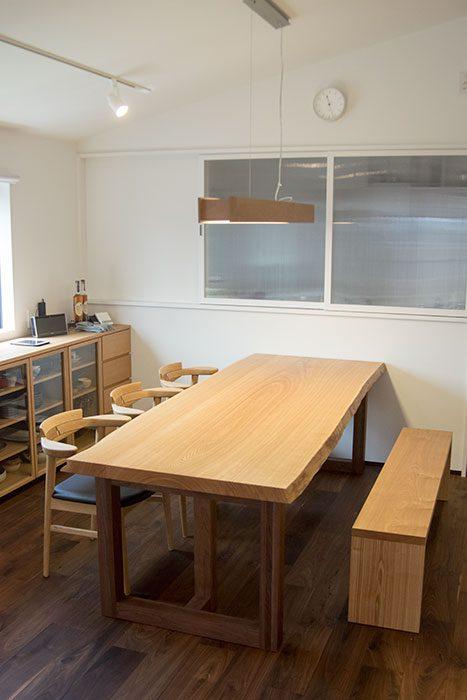 三枚接ぎ天板テーブル / タモ 亜和座チェア アッツベンチ
