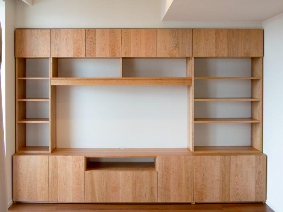 アメリカンチェリー材壁面収納のTANAテレビボード