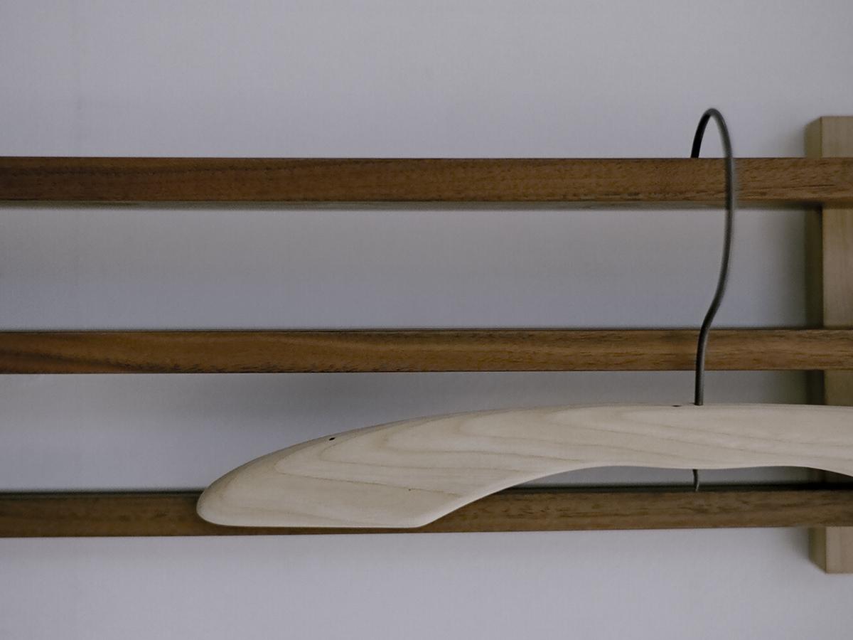 直線的な無垢の木の素材で構成したデザイン