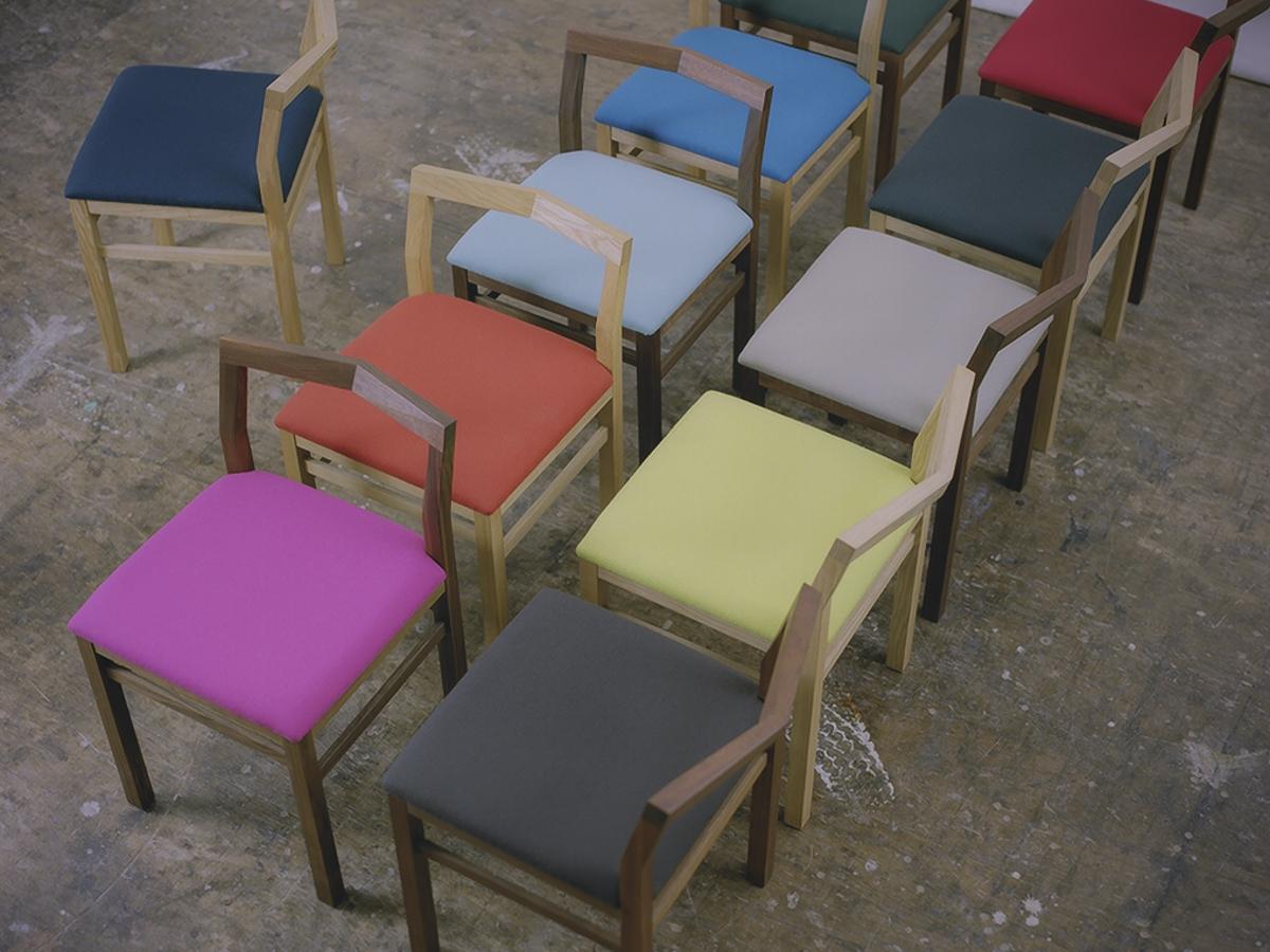 ピコチェアの座面のカラーは、10色から選べます