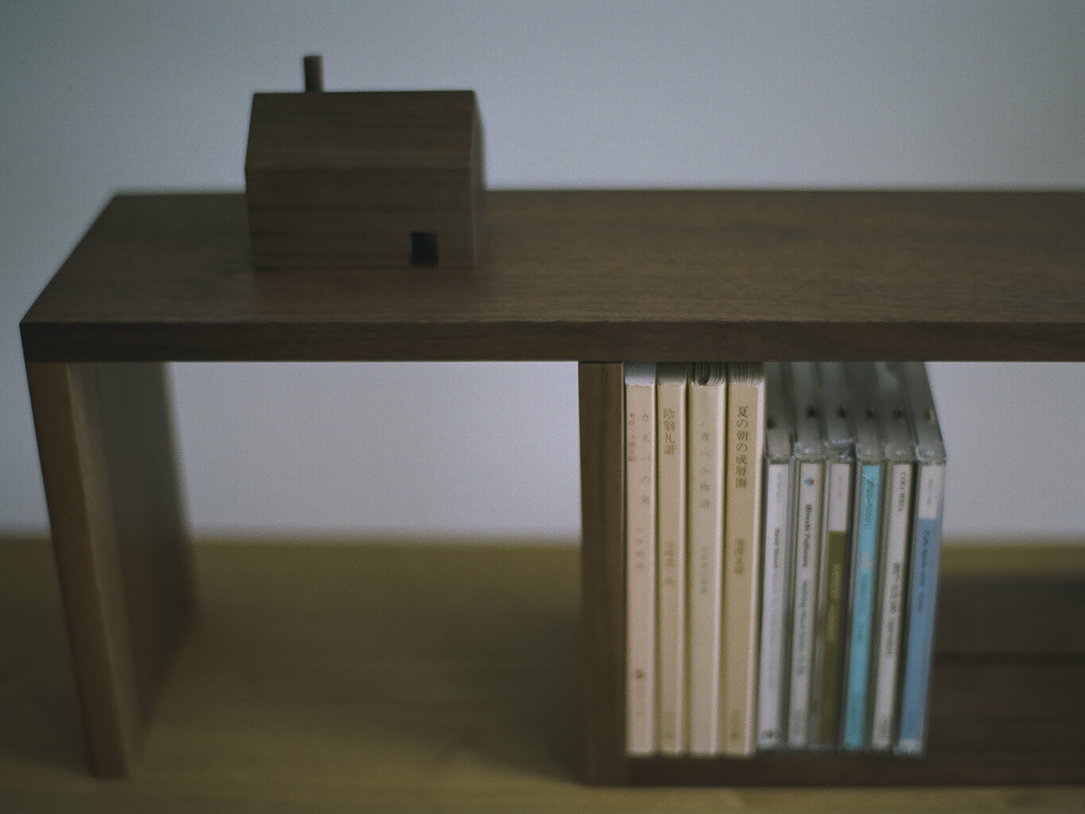 SLIDE BOOK STAND 本棚 ブックスタンド 本立て