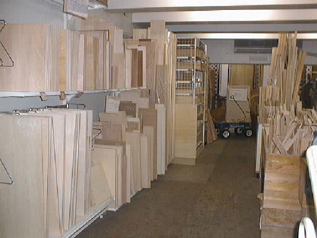 2003年2月16日 WOODWORK工作材置き場の様子