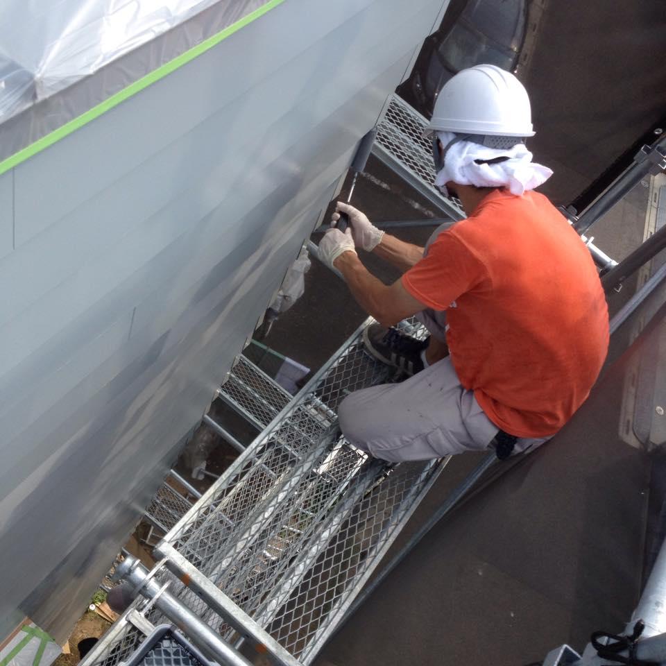 外壁の塗装作業