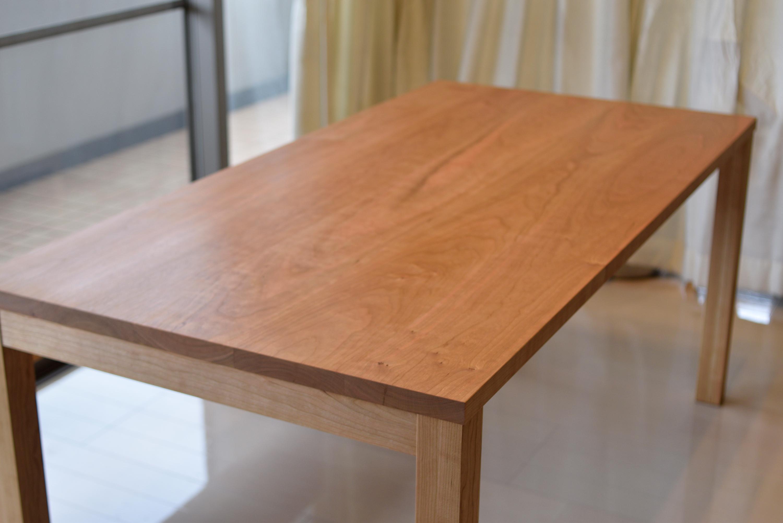 アメリカンチェリー材 スタンダードテーブルとアッツベンチ