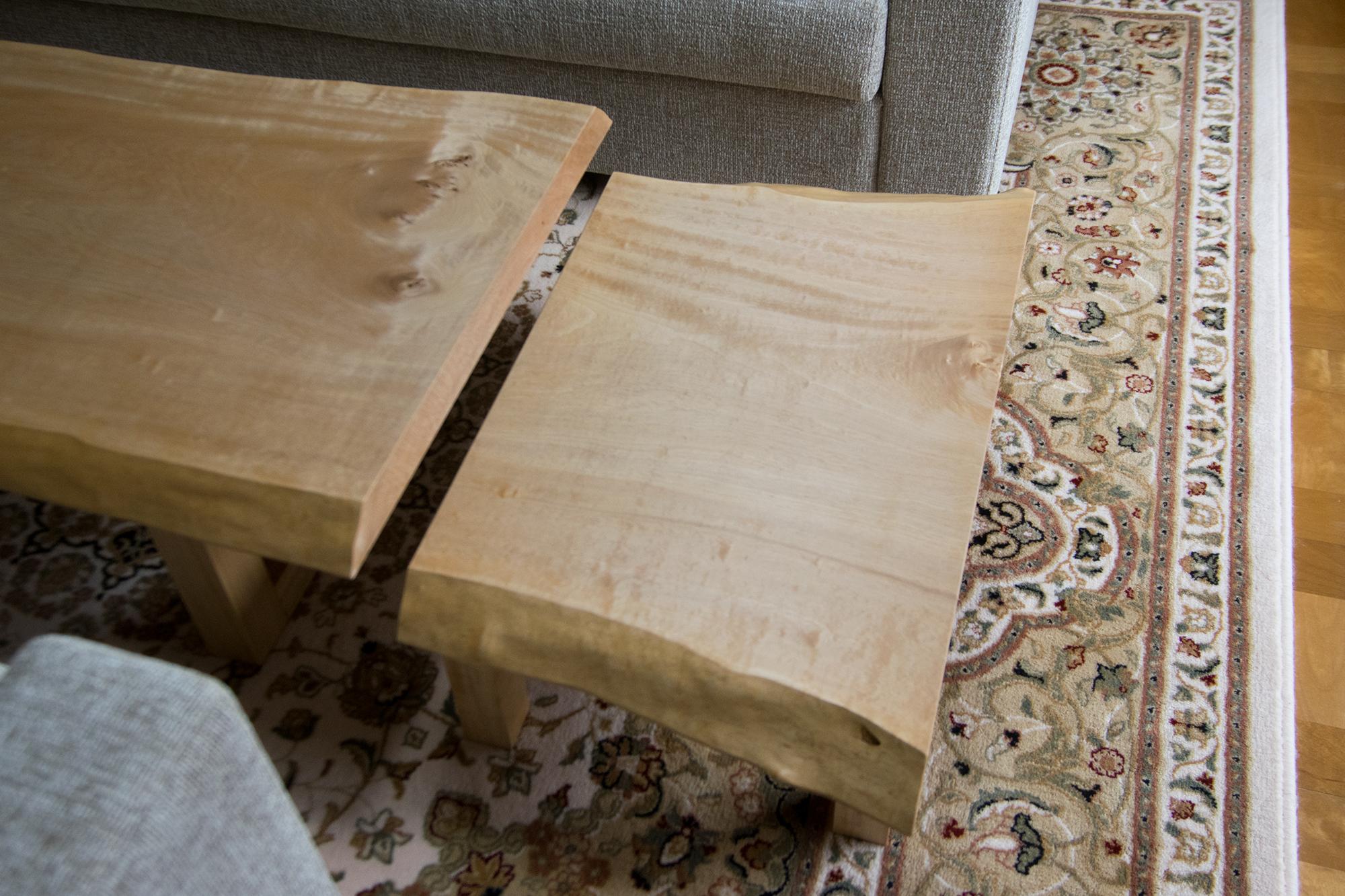 トチ一枚板天板 ローテーブルと小机