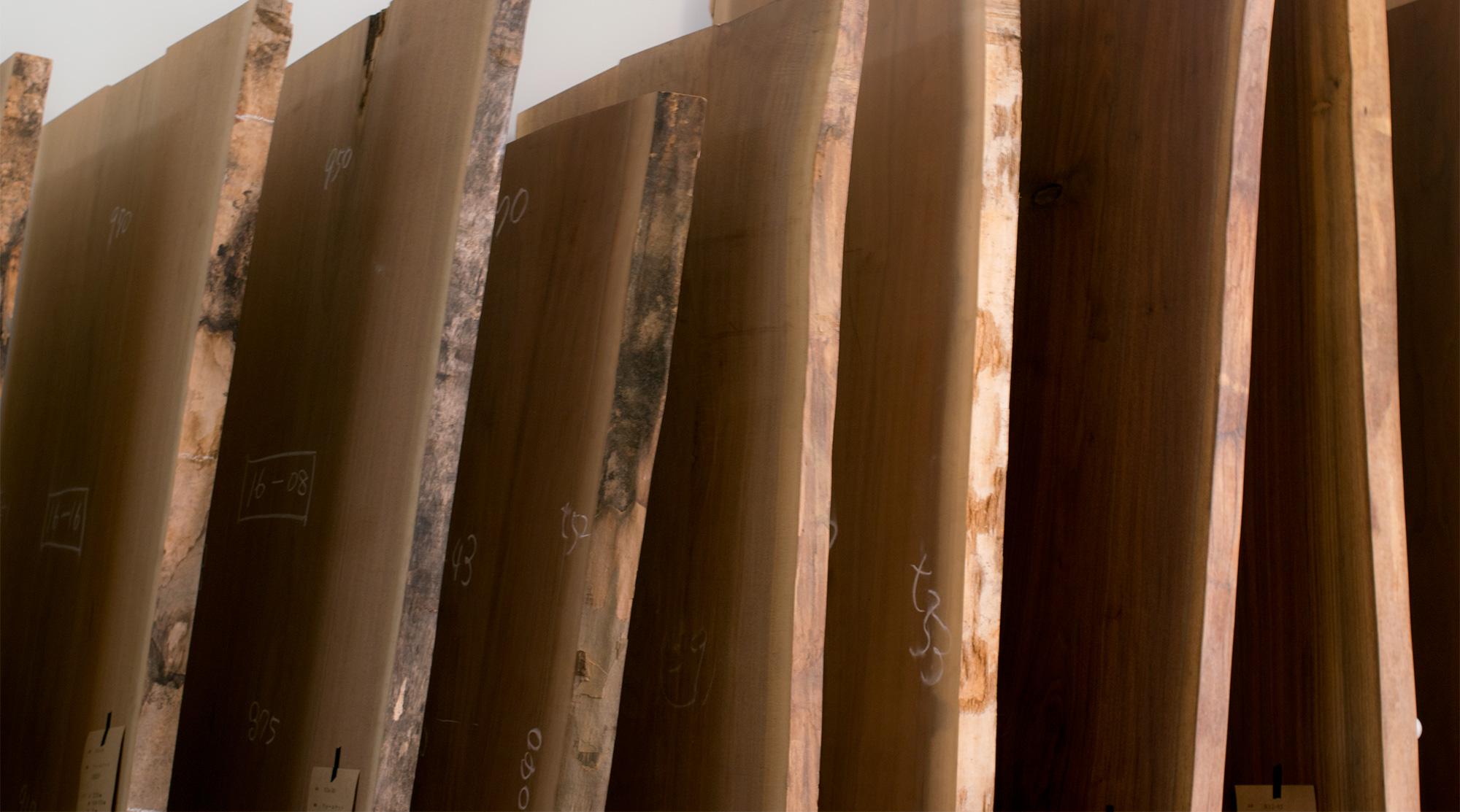 ウォールナット 無垢天板 特集 展示