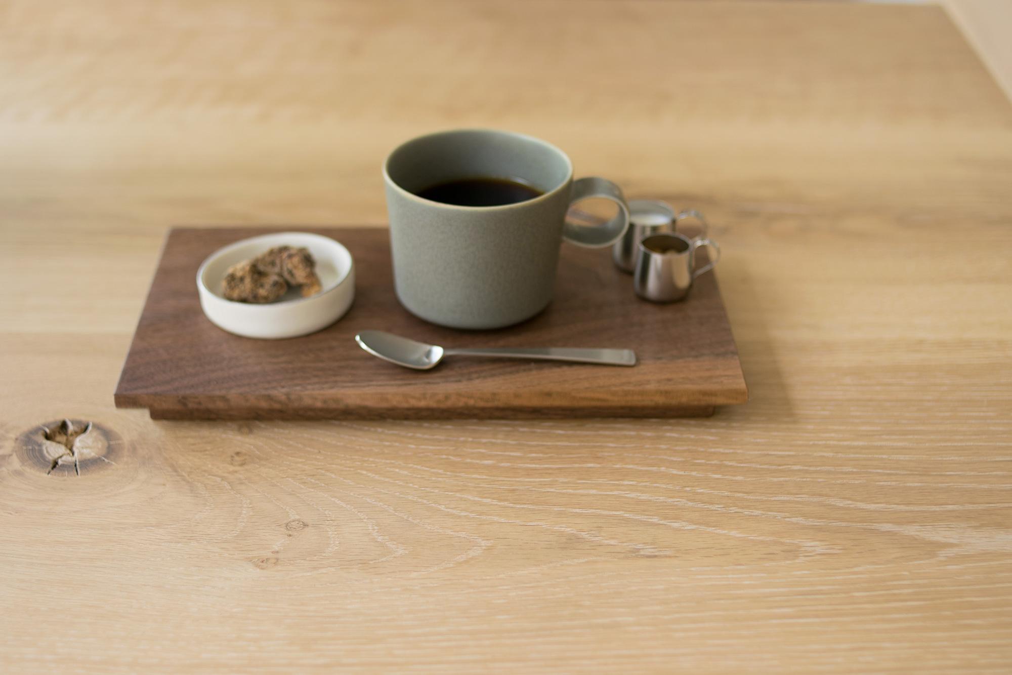 ウォールナットブレンドホットコーヒーとクルミのお菓子のセット