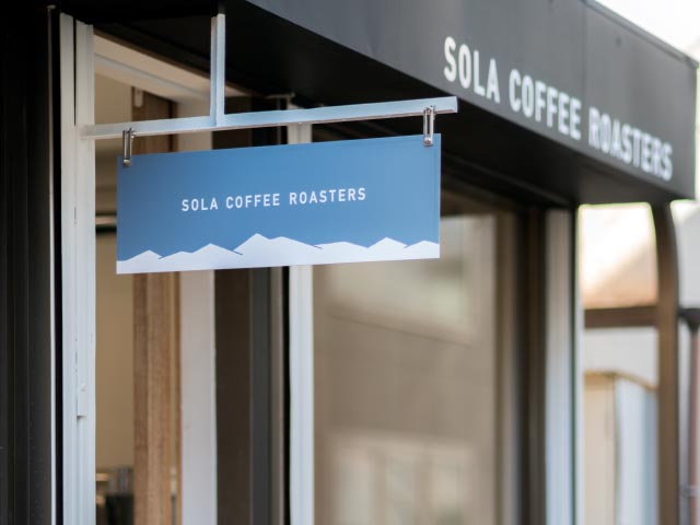 SOLA COFFEE ROASTERS サイン
