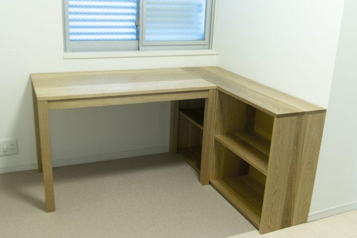 スタンダードテーブル・タイプ2からのデスクとTANA本棚