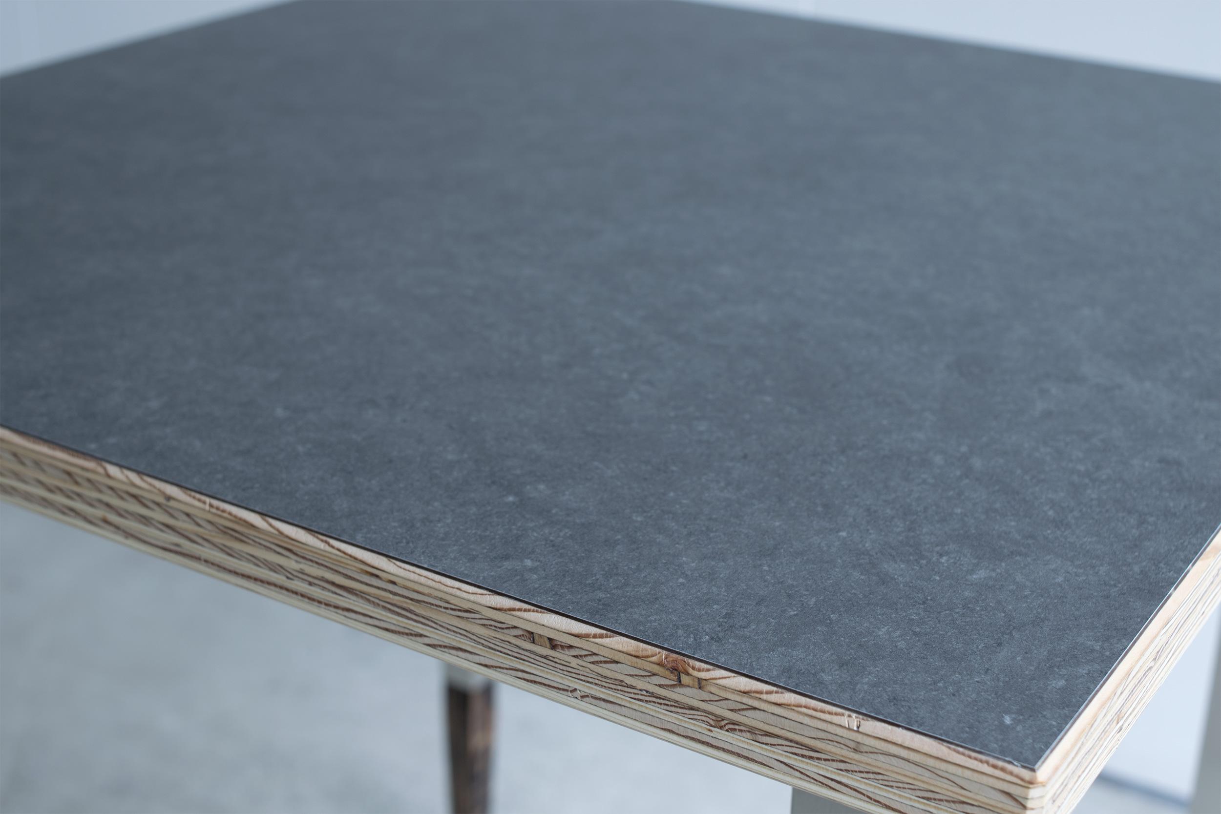 オルタナティブテーブル ラーチ+メラミン貼り天板
