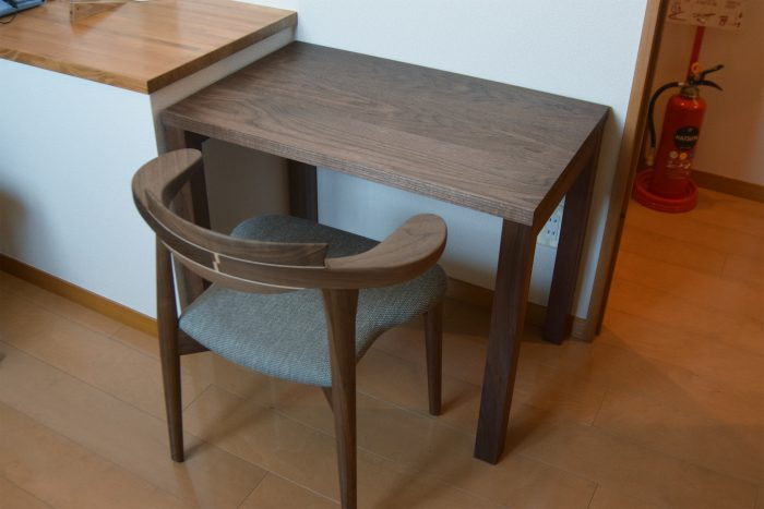 DESK STANDARD/TABLE WALNUT